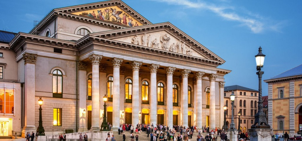 csm_Nationaltheater_c_Felix_Loechner_7fc52cb999
