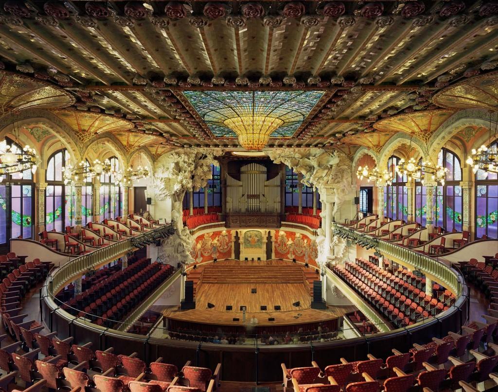 palau-de-la-musica-catalana-inside-concert-hall