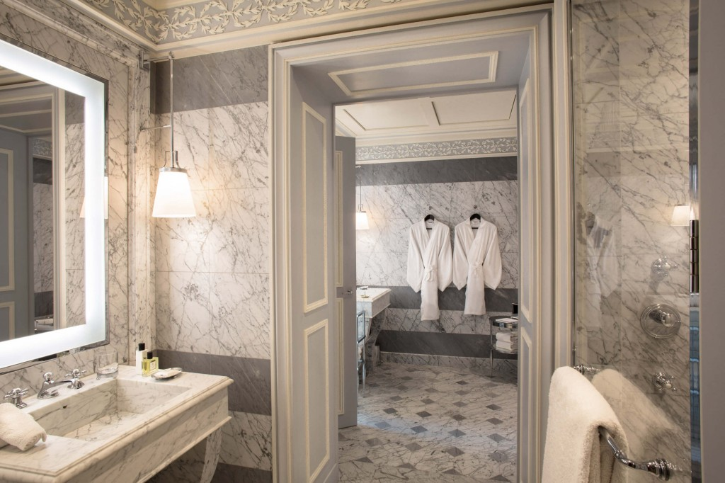 La-Reserve-Paris-Suite-Bathroom-3